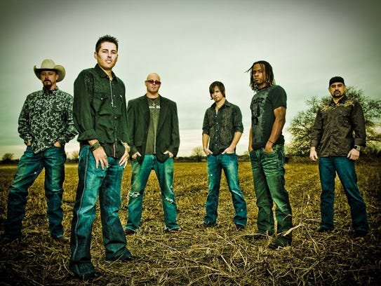 The Casey Donahew Band.