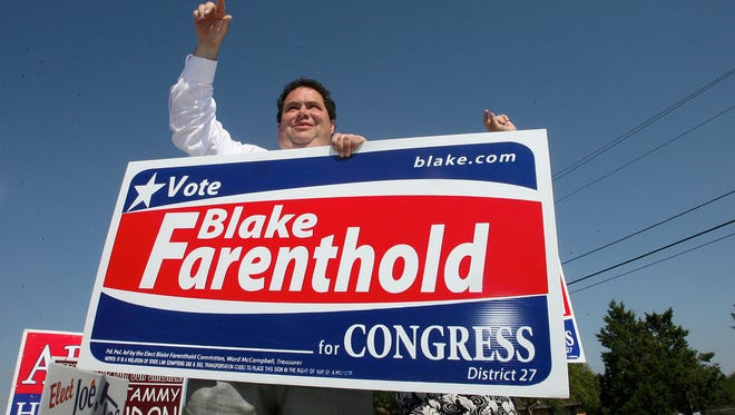 Blake Farenthold, running for U.S. Rep. District 27 in 2010, campaigns and greets voters outside Magee Intermediate School in Calallen (Corpus Christi, TX).
