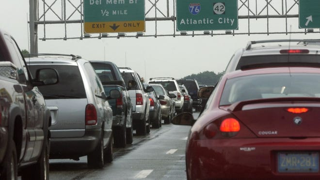-  --  --  -Text: Traffic jam on 42 south New Jersey.Photo By Jose F. Moreno