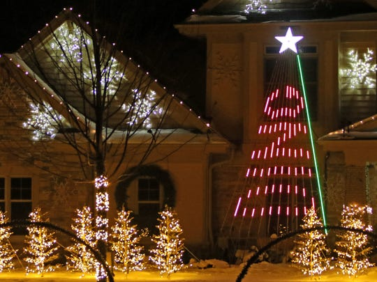 the lights of glen cove features 30000 computer controlled