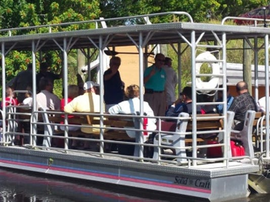 635769025192876637-illegal-boat