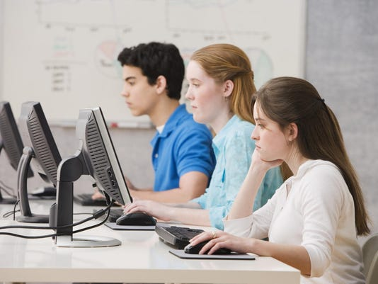 students on computers 1