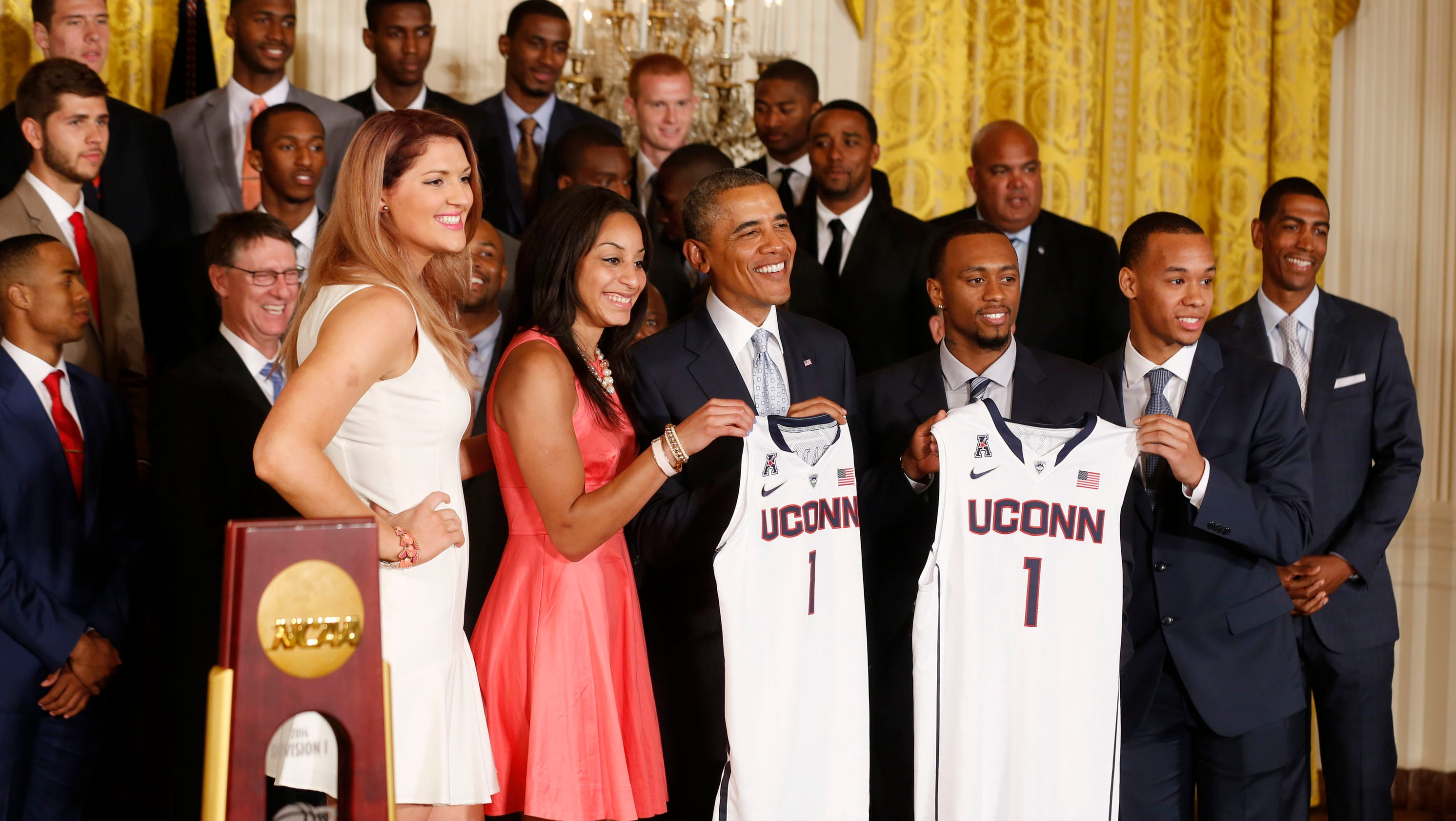 President Obama getting used to honoring UConn basketball