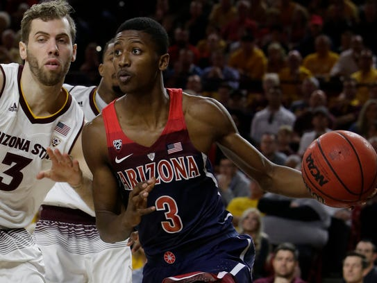 Arizona guard Dylan Smith (3) in the second half during