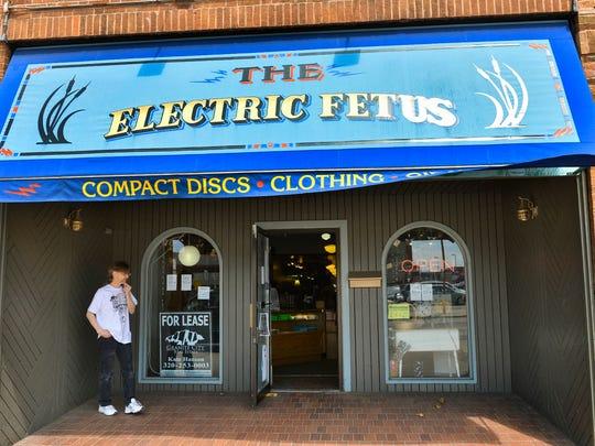 STC 0515 UN Electric Fetus 2.jpg