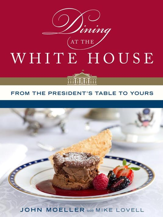 dining at the white house.jpg
