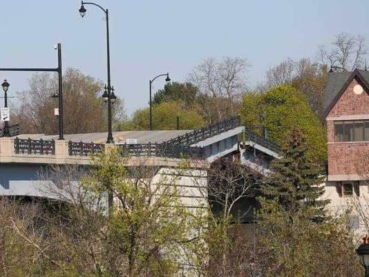 636614547613370430-OL-050918-ORorke.-Bridge.JPG