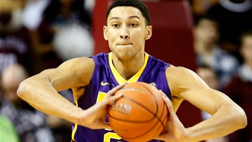 LSU's Ben Simmons looks to pass in the first half against the College of Charleston.