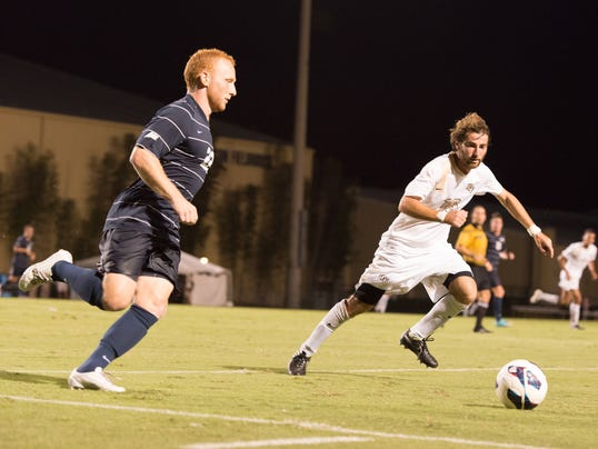 UCF Mens Soccer v UNF_6 Defensive midfielder Jake Weiss