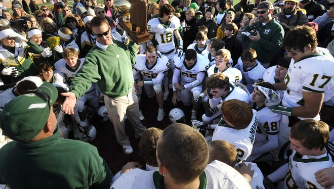 Bobby Carr has stepped down from coaching at Edgewood Academy after winning six straight AISA football titles and eight straight AISA baseball championships.