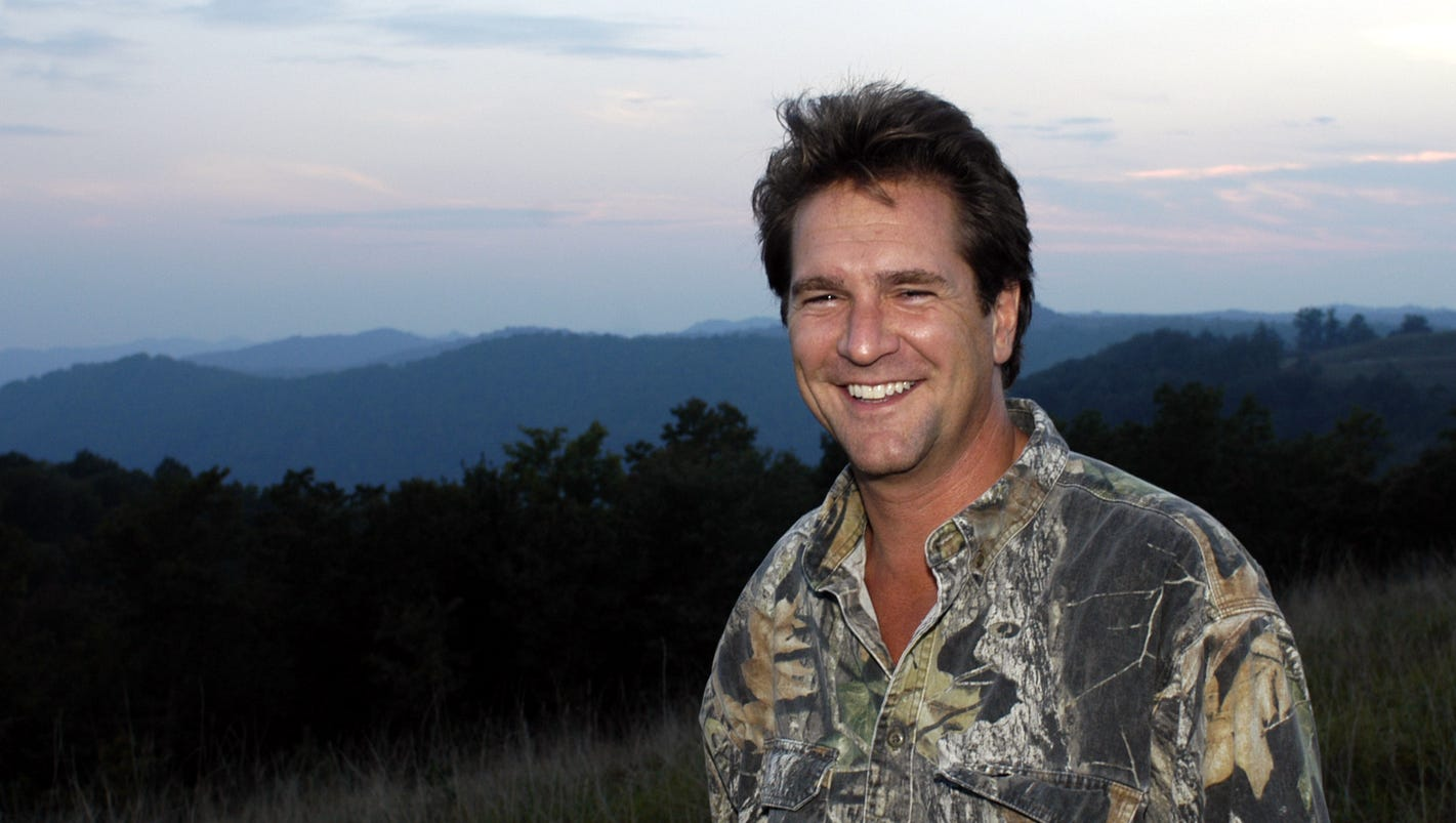 Kentucky Afield Host Tim Farmer Retiring From Department