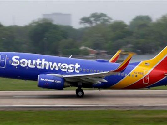 SOUTHWEST AIRLINES-DEMORAS