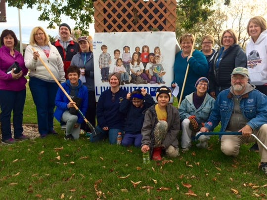 Volunteer rakers from Agnesian HealthCare in Fond du