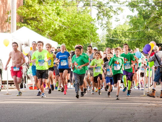 The Cereal City Classic runners at the starting line