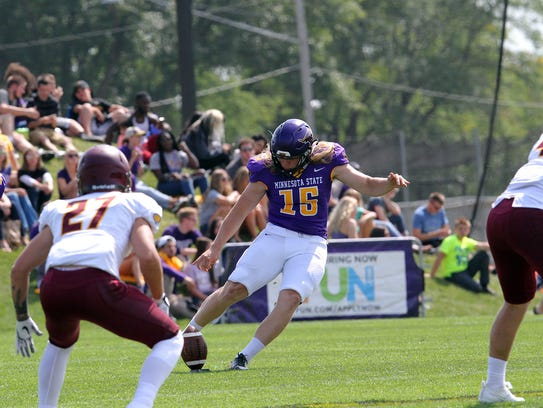 Casey Bednarski lines up a kickoff for Minnesota State