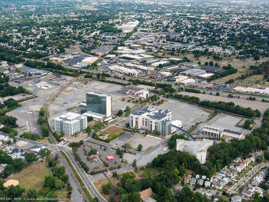 Aerial image of the Hoffmann-La Roche facility in Nutley