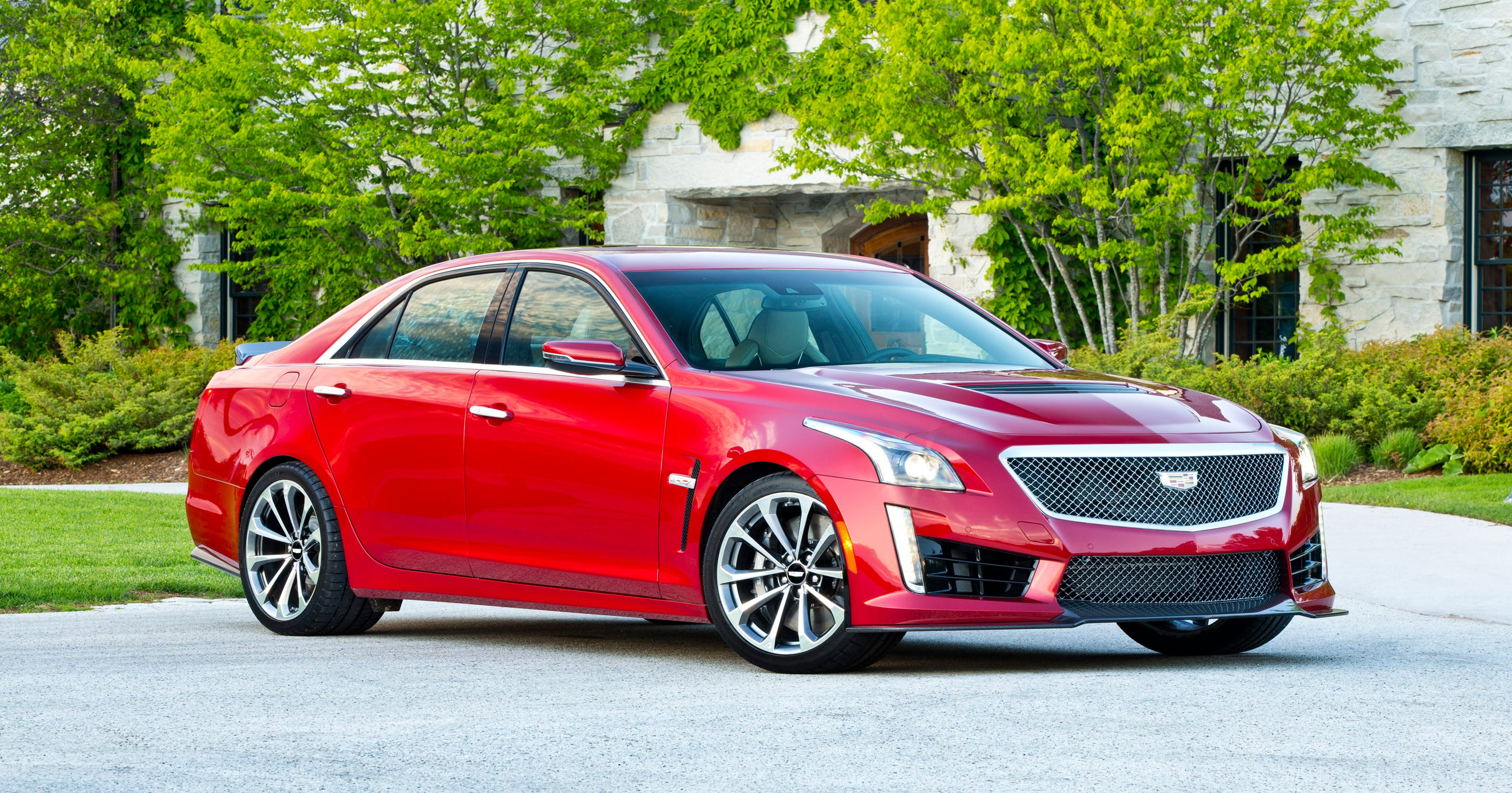 Review 2016 Cadillac Cts V Is Superfast Super Smart