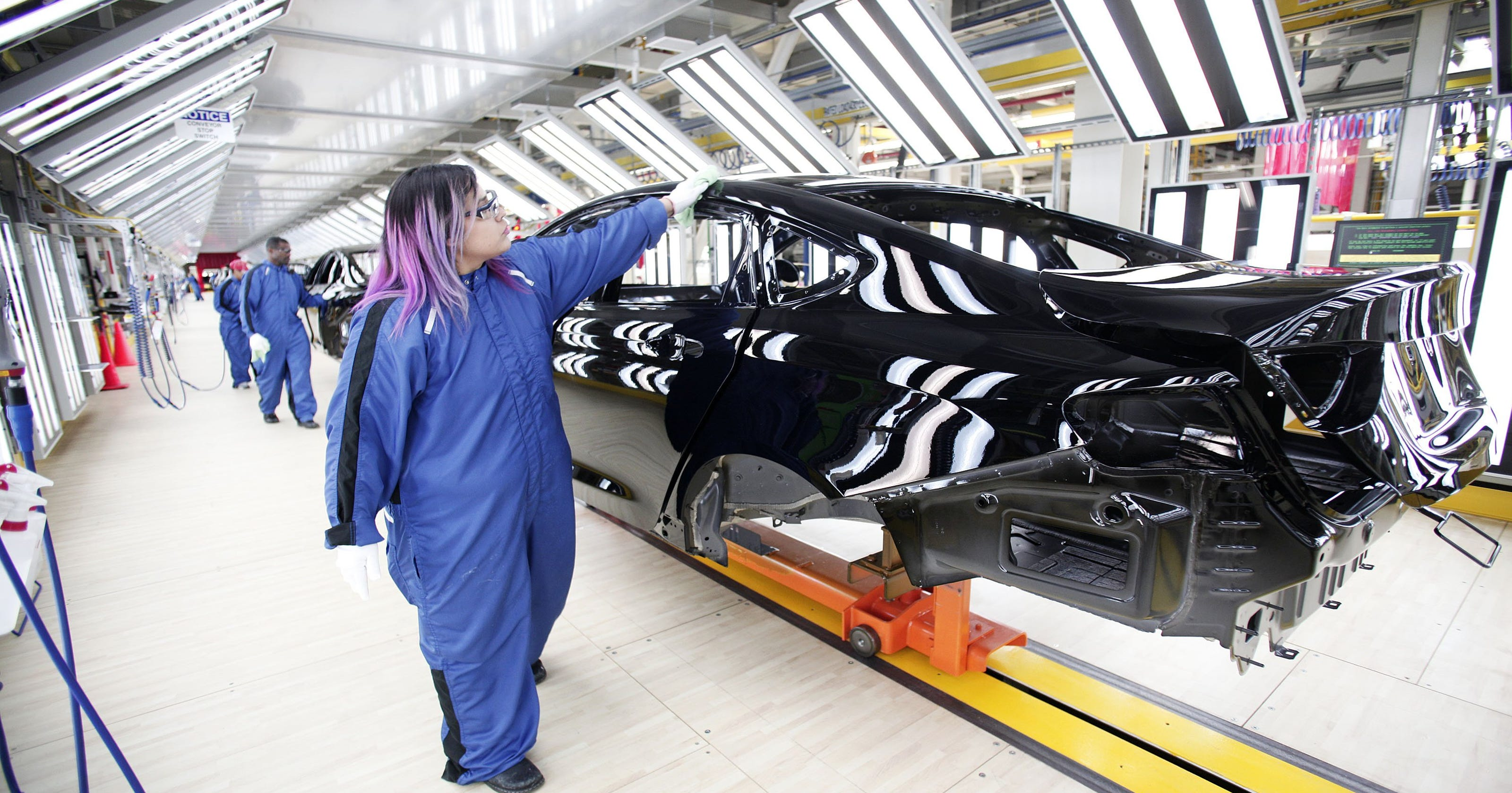 Sterling Heights Chrysler >> Fiat Chrysler Extends Sterling Heights Plant Layoff 3 More Weeks