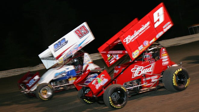 Sprint cars at Volusia Speedway Park in 2010.