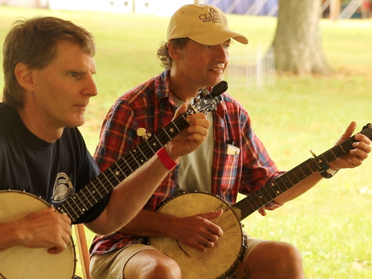 Students in Mac Benford's advanced clawhammer banjo