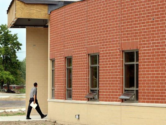-SP NEWS SCHOOL CONSTRUCTION01.jpg_20070815.jpg