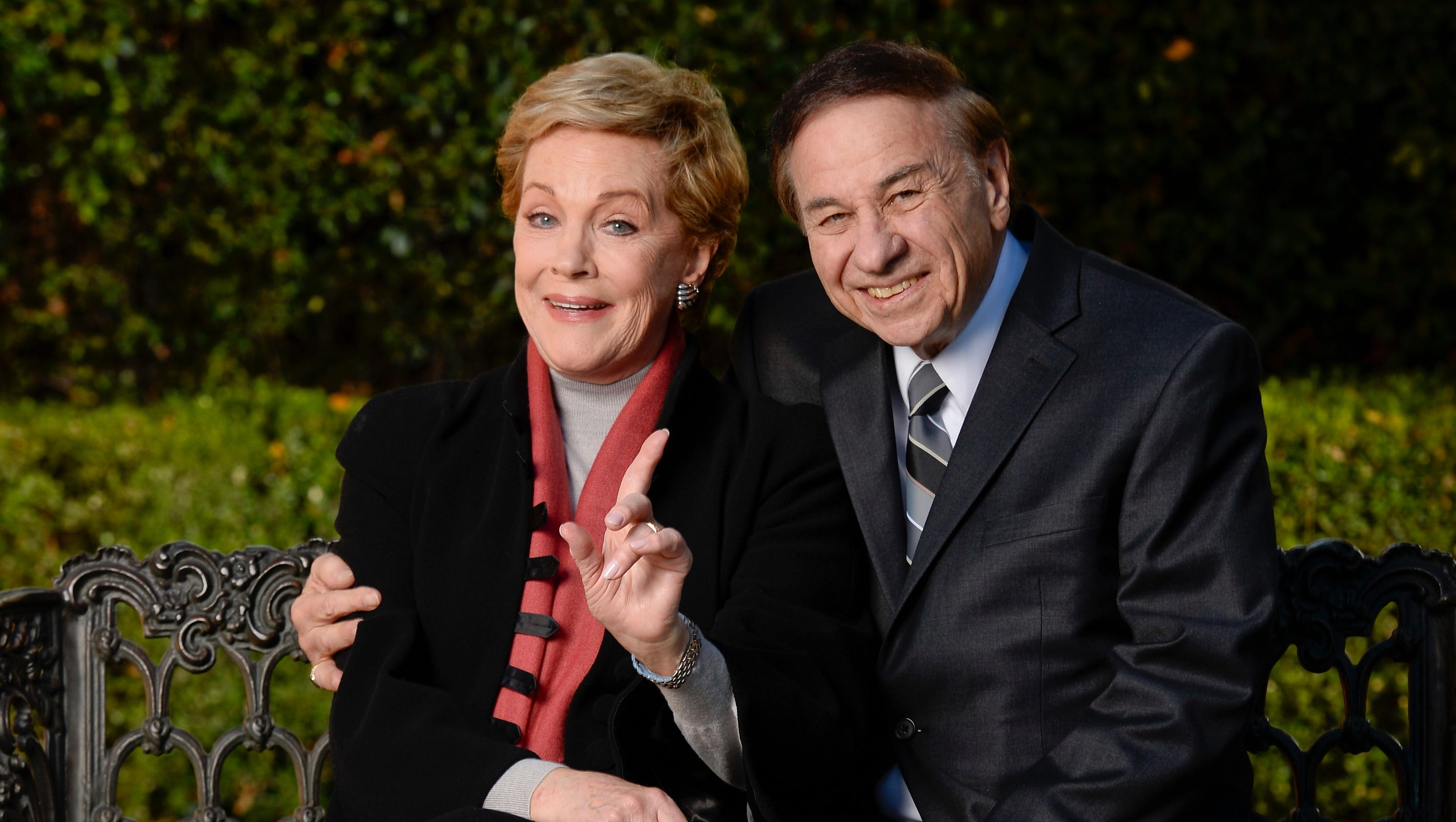 Julie Andrews reveals secrets behind      Mary Poppins