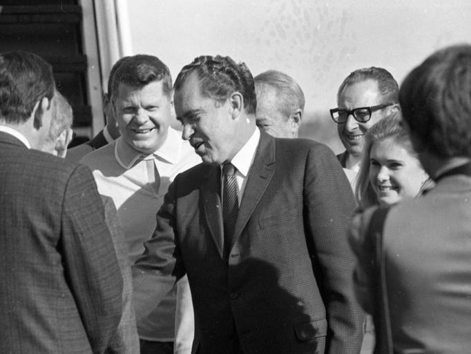 richard nixon and george mcgovern goes head to head at the presidential elections George mcgovern essay examples richard nixon and george mcgovern 3,104 words 7 pages richard nixon and george mcgovern goes head to head at the presidential.