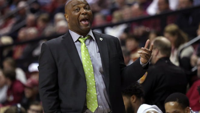 FSU Head Coach Leonard Hamilton yells out to his team during the Seminoles 81-80 win against UNC at the Tucker Civic Center on Wednesday, January 3, 2018.