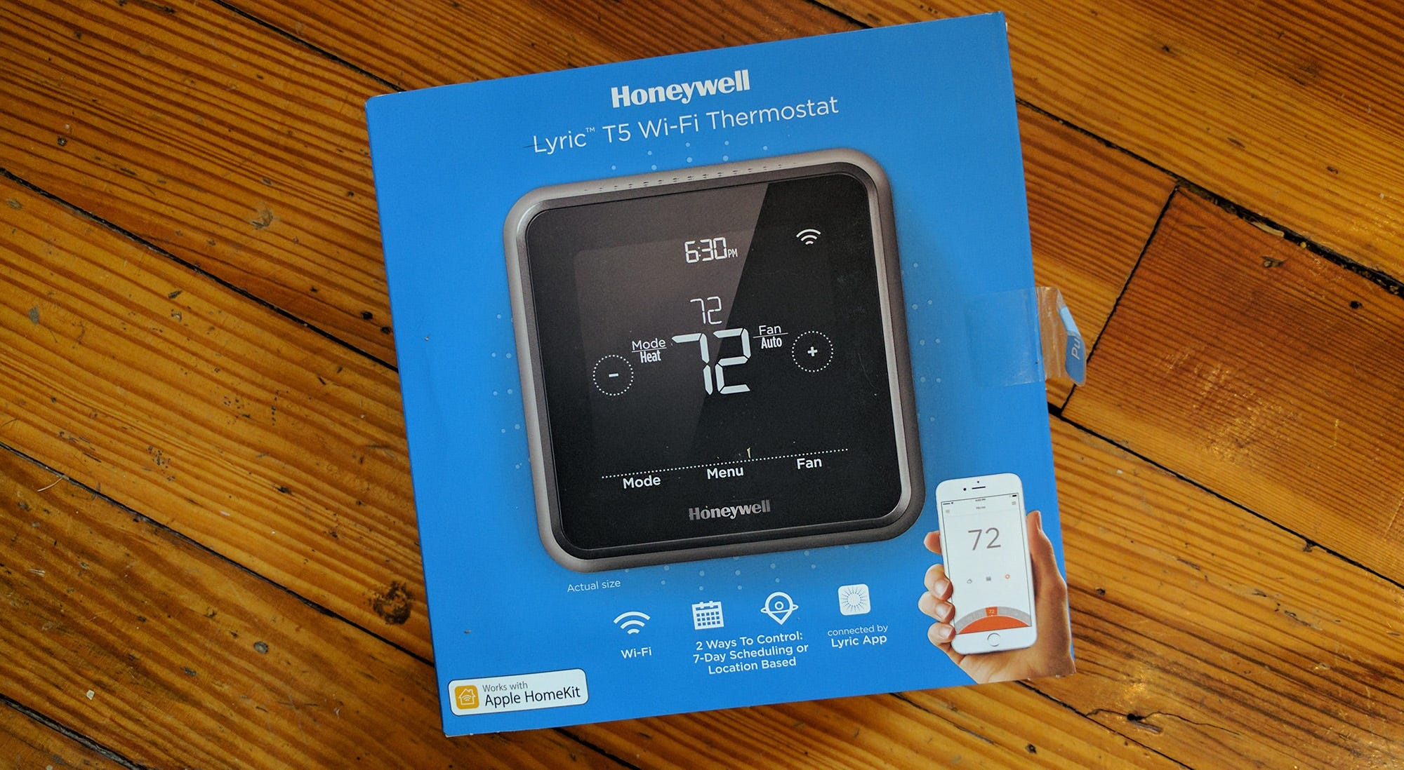 the honeywell lyric t5 wifi thermostat packaging