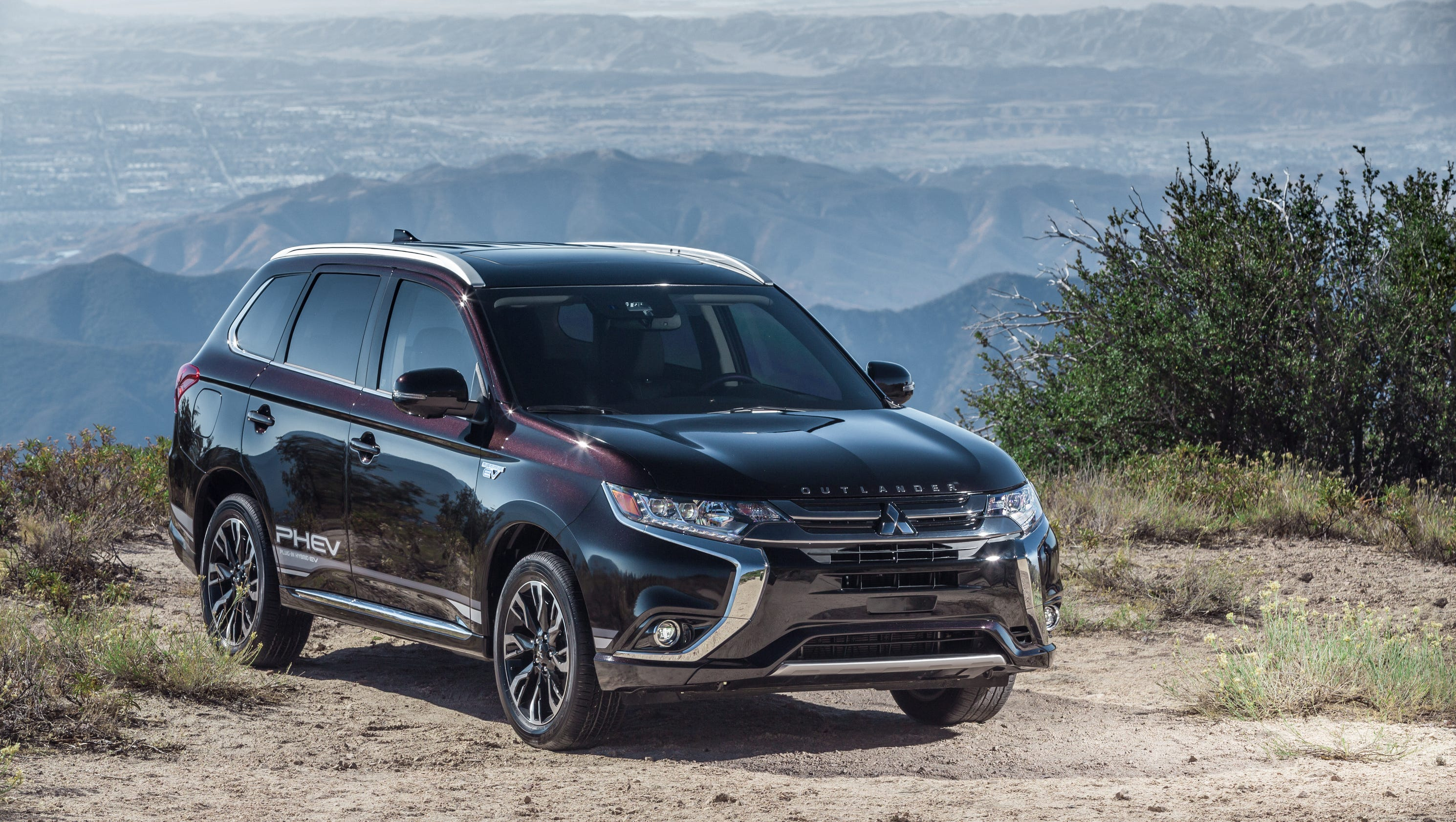 outlander yong benjamin profile epoch of side crossover times the view mitsubishi phev