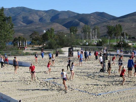 0121 Citizen volleyball2