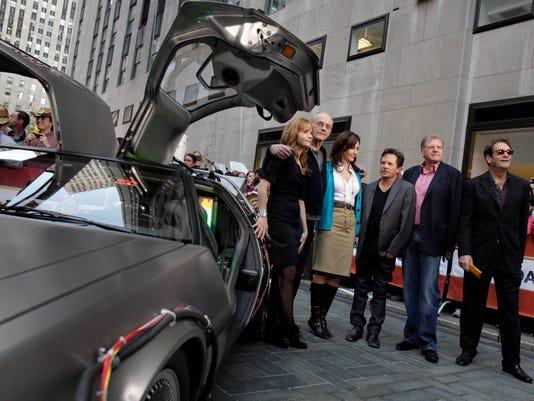 Lea Thompson, Christopher Lloyd, Mary Steenburgen, Michael J. Fox, Robert Zemeckis , Huey Lewis.