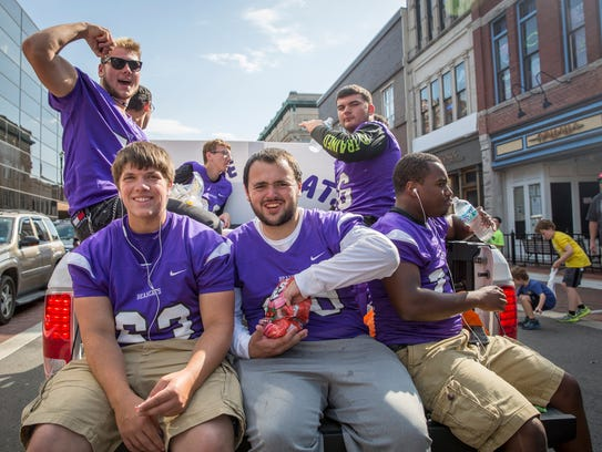 Hundreds came downtown for Central's homecoming parade