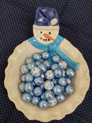 Make a Frosty bowl at the first Corks and Clay workshops of 2016.