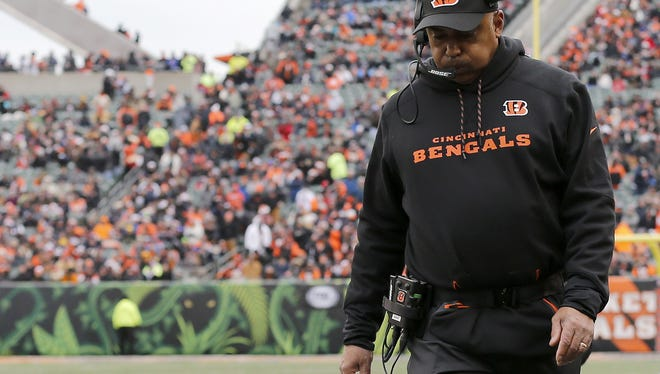 Sam Greene Cincinnati Bengals head coach Marvin Lewis paces the sideline in the first quarter of the NFL Week 14 game between the Cincinnati Bengals and the Chicago Bears at Paul Brown Stadium in downtown Cincinnati on Sunday, Dec. 10, 2017. At halftime the Bears led 12-7.