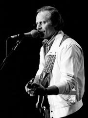 """Vern Gosdin performs in the """"Superstar Spectacular"""""""