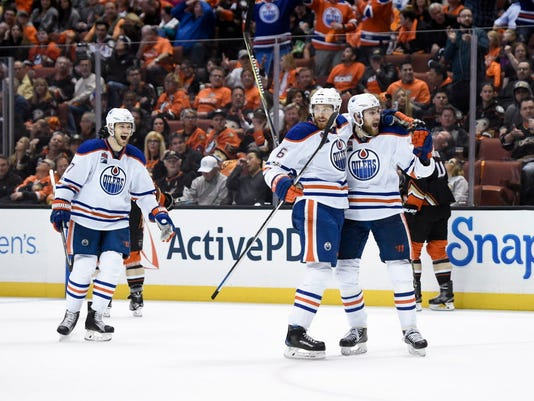 USP NHL: STANLEY CUP PLAYOFFS-EDMONTON OILERS AT A S HKN ANA EDM USA CA