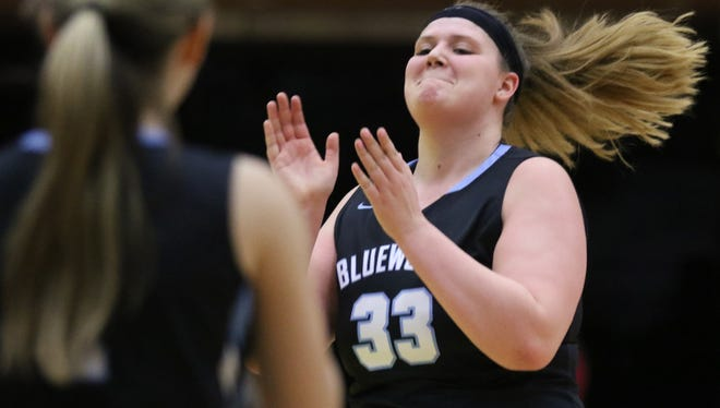 Danielle Deoul and Immaculate Conception take the No. 1 spot in this week's Top 25 girls basketball rankings.