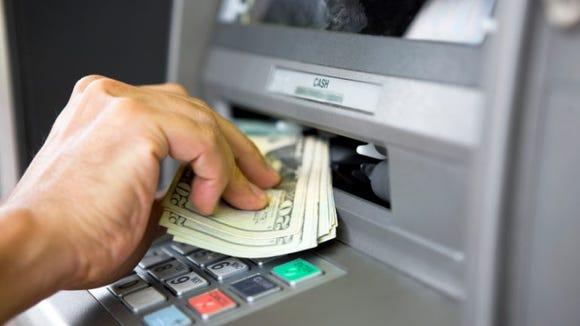 atm-eats-deposit-contact-financial-institution-immediately-story-770x512.jpg