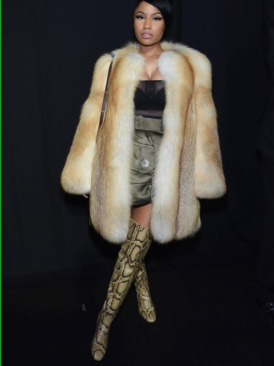 BESTPIX - Marc Jacobs - Backstage - Mercedes-Benz Fashion Week Fall 2015