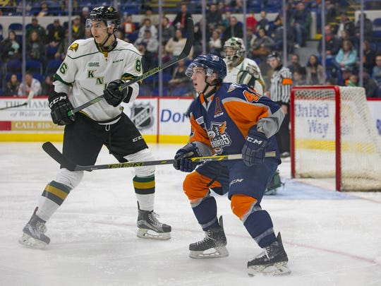 Will Bitten of the Flint Firebirds (No. 41, right)