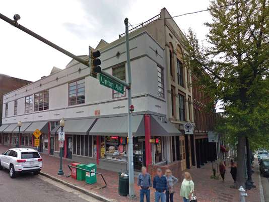 636219750502182914-front-Street-Deli.png