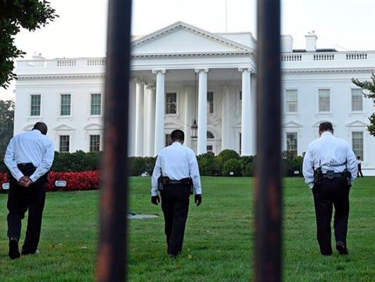 APTOPIX White House I_ecke