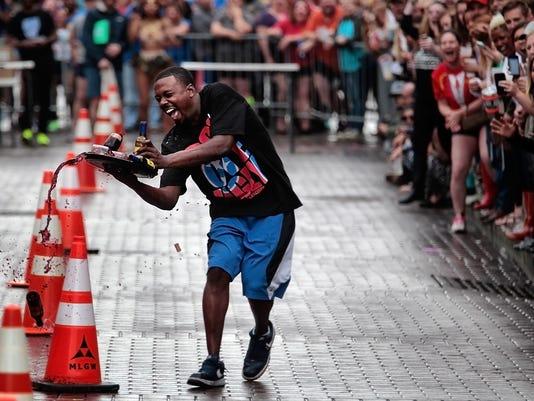 wine race lead art
