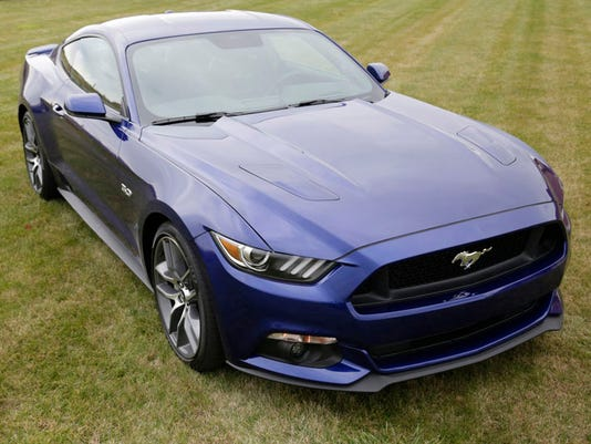 635526211625995576-2015-Ford-Mustang-02