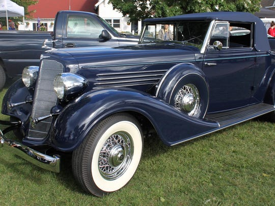 Mart and Judi Spalding's gleaming 1934 Buick appeared