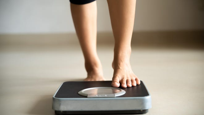 Come up with a plan that allows for gradual, sustainable weight change over time (like 1-2 pounds per week). Create goals that benefit your body and emotional state, and allow you to have a healthy relationship with food. Include both healthy eating and physical activity goals in your plan.  This allows moderation in each instead of extremes in one or the other.