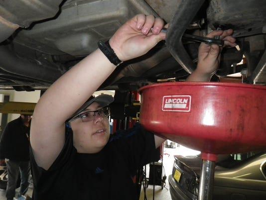 635839624536082235-Estevan-Gonzalez-at-Speed-Wrench.JPG