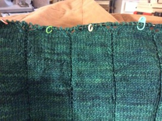 I have begun the lace part of the yoke on my Zephirine