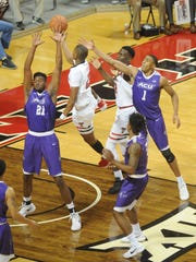 Texas Tech's Jarrett Culver drives to the basket while